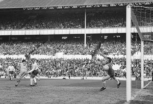 First Division match - Tottenham v Coventry - White Hart Lane